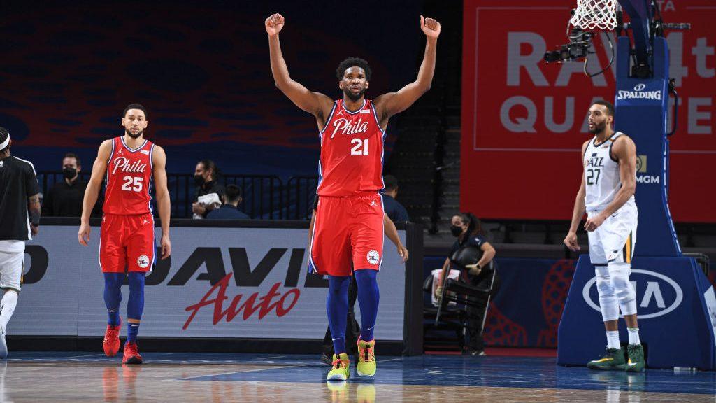 Embiid lidera 76ers vitória Jazz